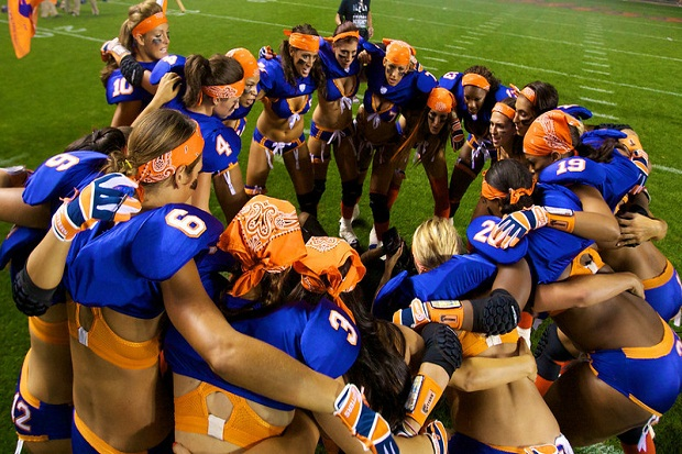The Chicago Bliss opened its 2014 season with a 25–21 come-back win against the Los Angeles Temptation May 9 to defend their 2013 national championship title.