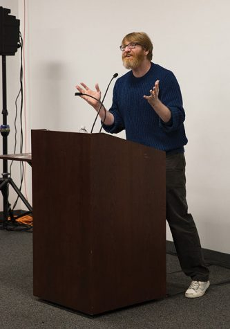 Klosterman speaks candidly at Columbia