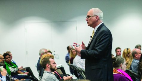 Stan Wearden, senior vice president and provost, addressed the college at Stage 2, 618 S. Michigan Ave., for the first time since he took the position. The assembly focused on the Strategic Planning Process and included an audience Q-and-A session.
