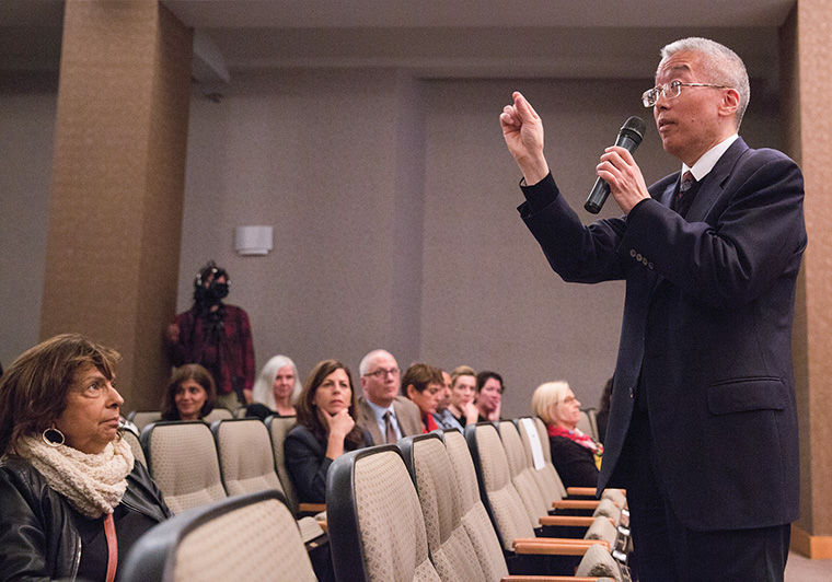 President Kwang-Wu Kim discussed the strategic plan process Oct. 24 during a Town Hall meeting with faculty at Film Row Cinema, 1104 S. Wabash Ave.