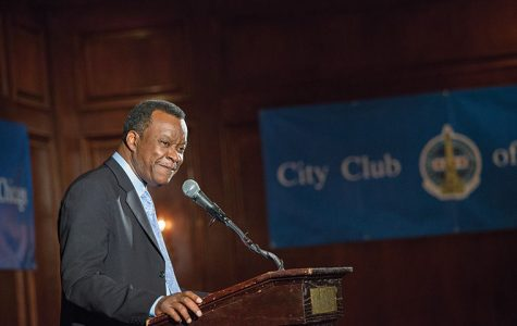 Mayoral candidate Willie Wilson spoke to supporters during a luncheon at Maggiano's Banquets, 111 W. Grand Ave.