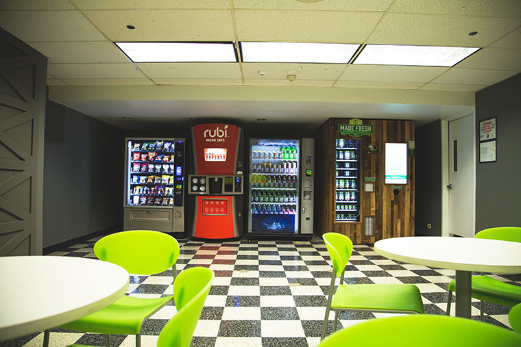 The+vending+machines+located+in+the+600+S.+Michigan+Ave.+and+1104+S.+Wabash+Ave.+buildings+are+only+short-term+replacements+for+the+now+closed+cafes%2C+said+SGA+president+Jerel+Ballard.