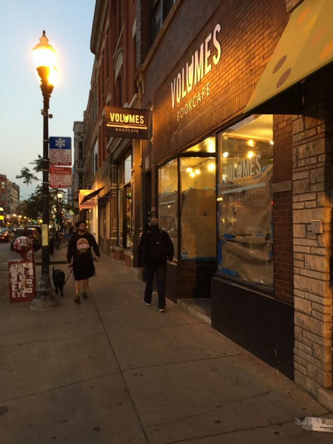 Volumes+Bookcafe%2C+1474+N.+Milwaukee+Ave.%2C+will+sell+a+mix+of+booze+and+books%2C+distinguishing+itself+from+the+bookstores+already+in+the+neighborhood.%C2%A0