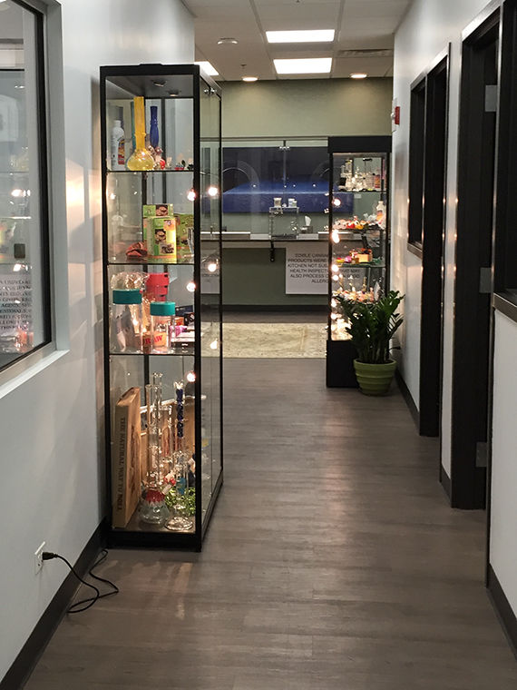 Case+displaying+paraphernalia+at+PDI+Medical+in+Buffalo+Grove%2C+Illinois.%C2%A0