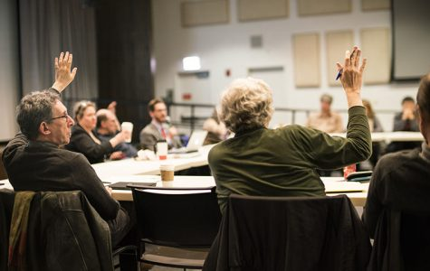 Faculty Senate discusses input in statement review process