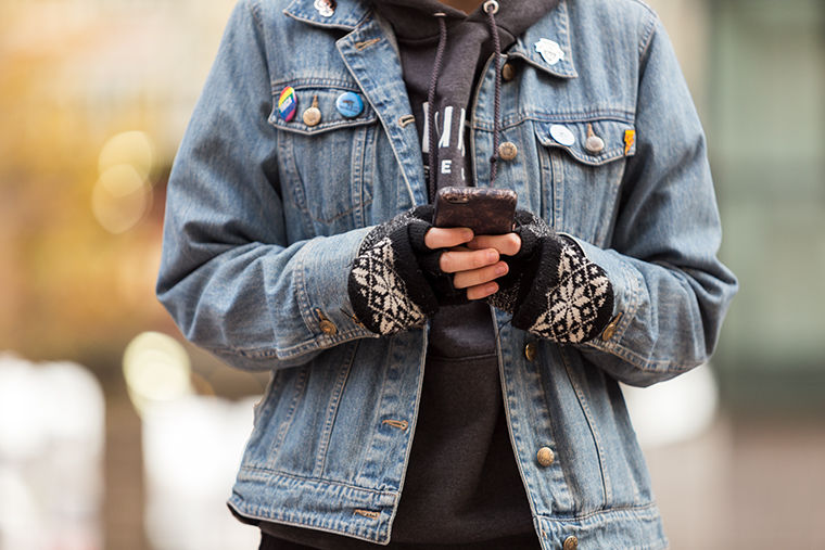 """A proposed ordinance would charge citizens up to $500 for """"distracted walking."""""""