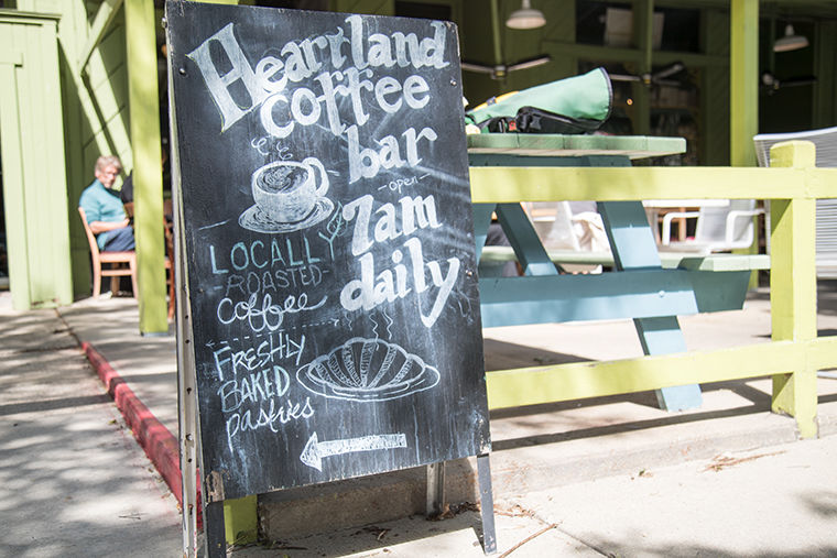 The+Heartland+Cafe%2C+located+in+Rogers+Park%2C+welcomes+everyone+to+their+9.600+square-foot+building+for+brekafast%2C+lunch+and+dinner.