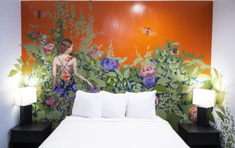 Hotel showcases Chicago street artists, offers art therapy program