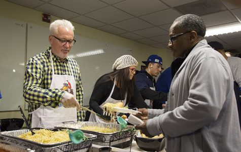 Cubs, Citypak Project give back at Thanksmas