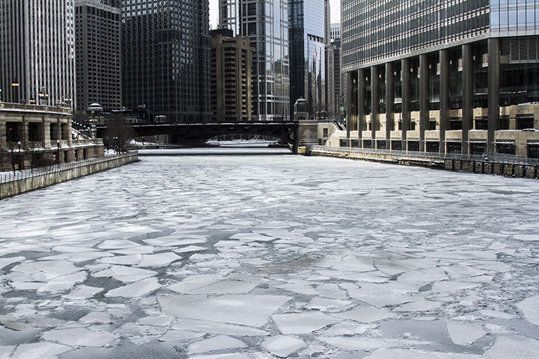 Now streaming: real-time quality of the Chicago River