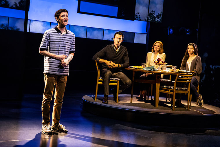 REVIEW%3A+%E2%80%98Dear+Evan+Hansen%E2%80%99++raises+bar+for+other+musicals