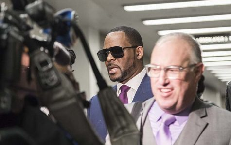 Cook County prosecutors charge R. Kelly with 10 counts of sexual abuse
