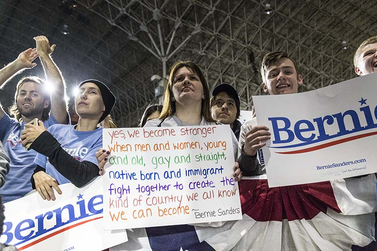Sen.+Bernie+Sanders+stressed+dismantling+social+and+racial+inequality+during+a+March+3+rally+at+Navy+Pier%2C+600+E.+Grand+Ave.