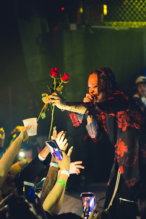 Kodie+Shane+giving+roses+to+her+fans+at+Reggies%2C+2105+S+State+St%2C+Mar.+13.