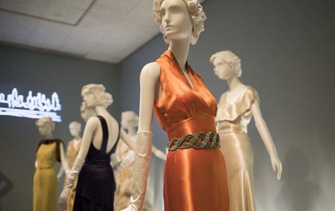 New exhibit highlights Hollywood film fashion, influence during '30s and '40s