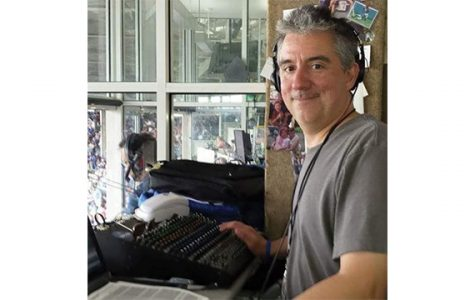 Alumnus broadcasts history through Cubs win