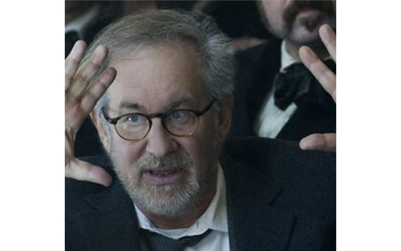 Columbia alumnus takes on Spielberg in new book
