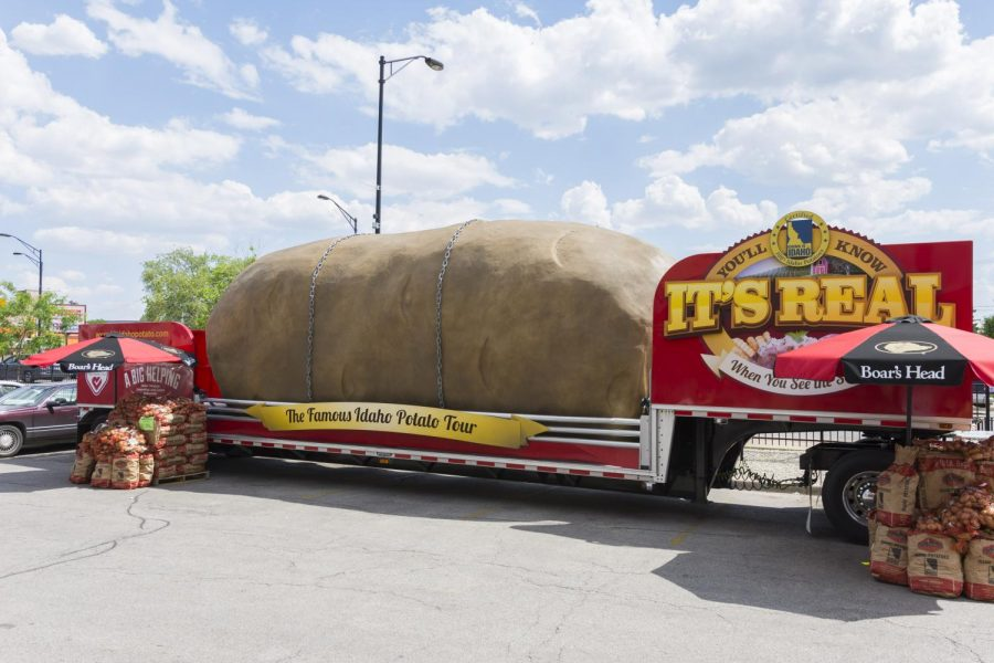 Spud Racer and the Tater Twins bring the Big Idaho Potato to Elmwood