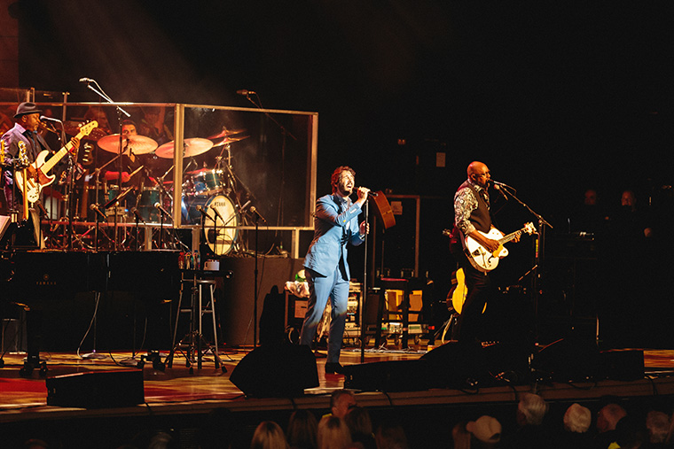 Josh Groban Bridges Tour at Ravinia – The Columbia Chronicle