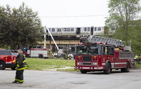 Green Line train derails in Bronzeville