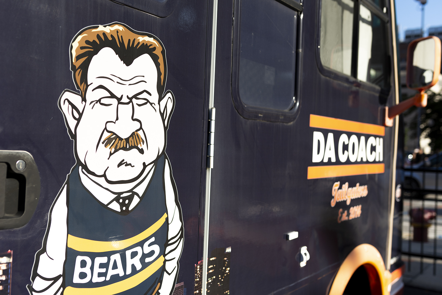 Bears+legend+Mike+Ditka+scowls+at+passersby+from+the+side+of+%22Da+Coach%22+bus+Sept.+5.