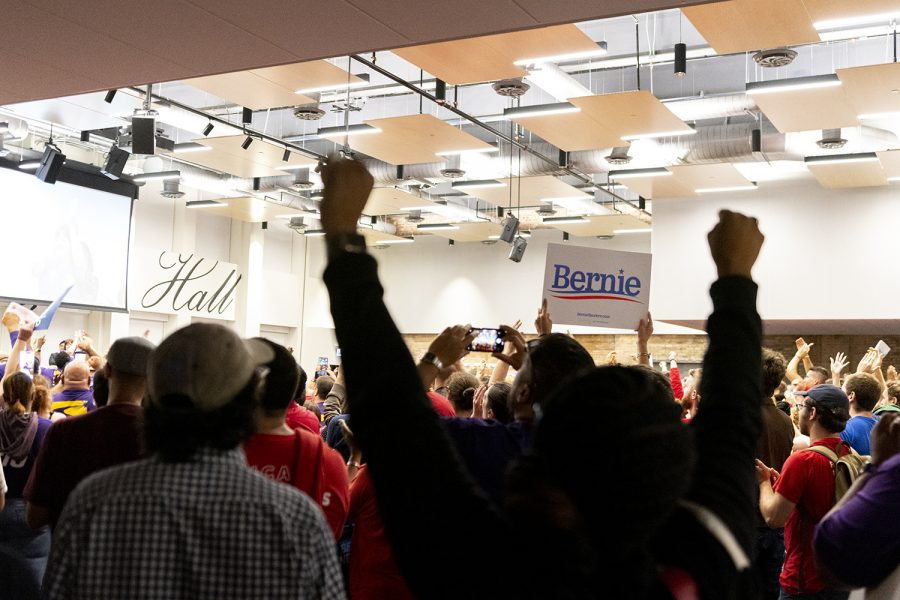 Attendees respond to calls for a strike ahead of Sanders appearance Sept. 24 at the CTU headquarters, 1901 W. Carroll Ave.