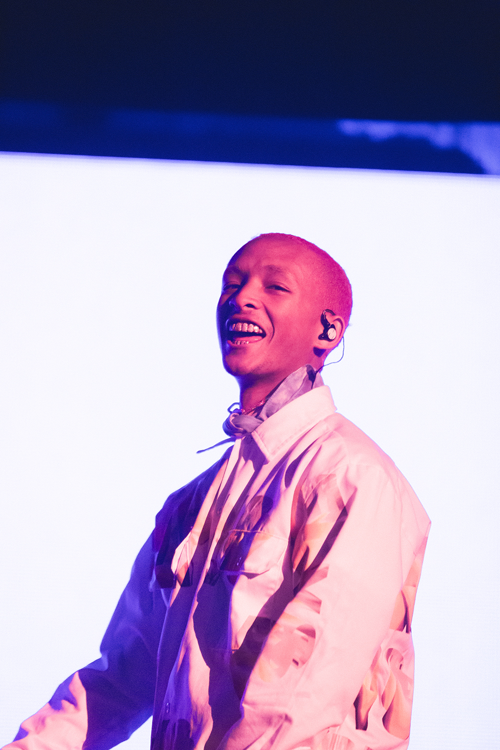 Jaden+had+the+crowd+light+the+arena+with+their+phones+as+he+performed+%22Summertime+in+Paris.%22