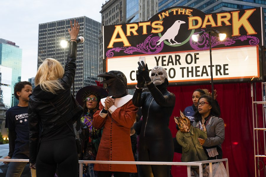 This+year%27s+Arts+in+the+Dark+parade+theme+was+Year+of+Chicago+Theatre.