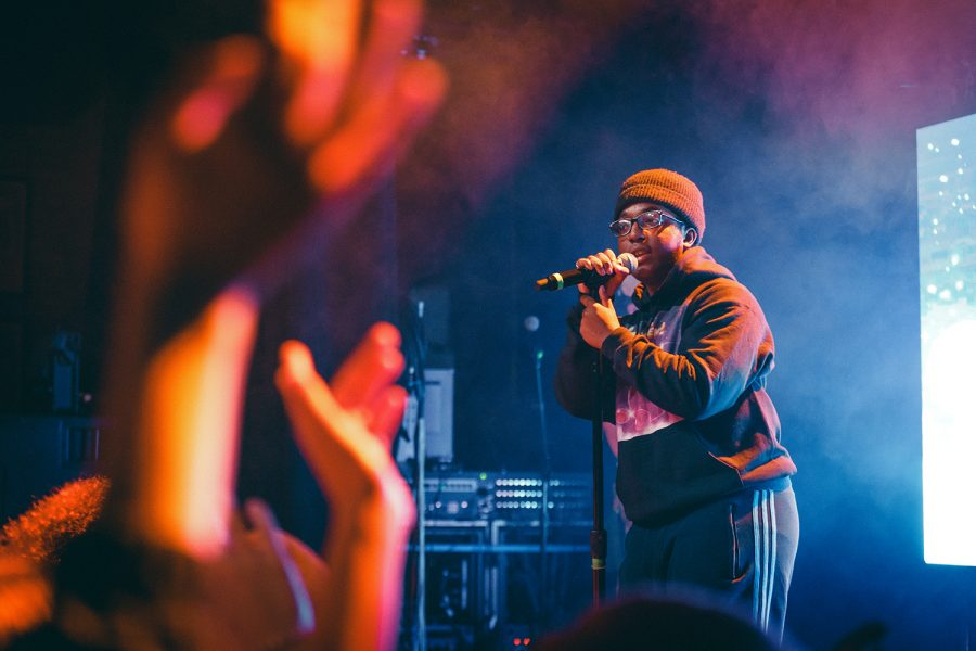 Liltrxptendo kicked-off tobi lous Chicago show, performing both old and new music.