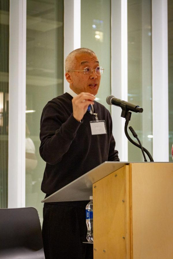 President and CEO Kwang-Wu Kim tells students he hopes to improve student-college communication in a number of areas Tuesday, Nov. 5.