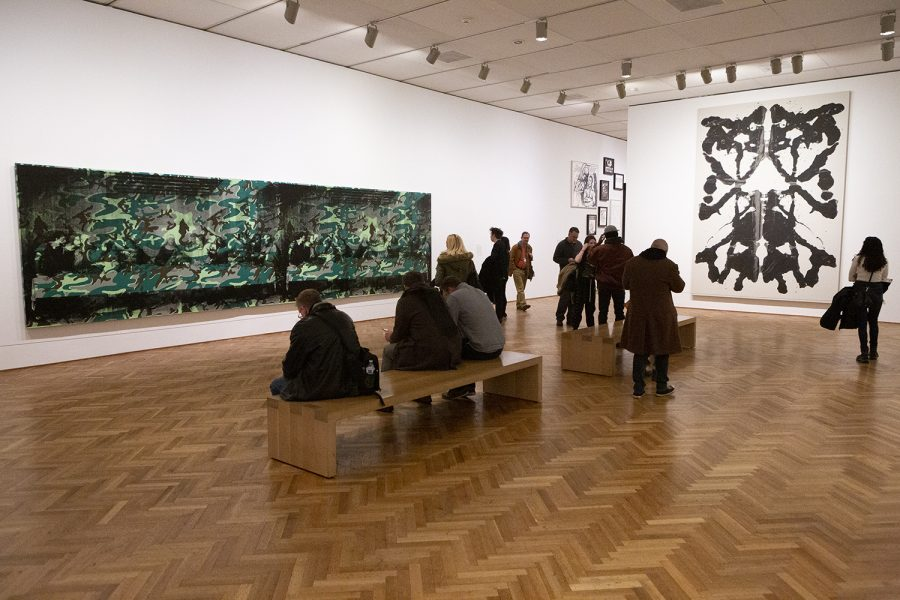 Andy Warhol, from A to B and back again was organized by the Whitney Museum of American Art of New York and includes more than 400 pieces of Warhol's artwork.