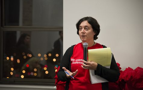 Diana Vallera, President of the Part-Time Faculty Union, facilitates the collaborative conersation between Columbia students and faculty at the Save Columbia forum Nov. 2 in the 8th floor lounge of 600 S. Michigan Ave.