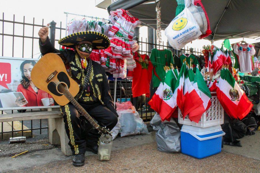 II_Chronicle_Metro_MexicanIndependence_0-04